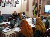 Sinkronisasi Kurikulum Farmasi bersama PT. K-24 Indonesia